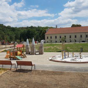 dětské hřiště zámek Oslavany